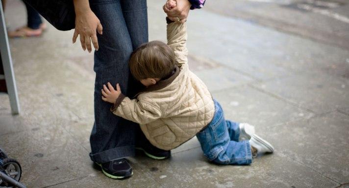 child-throwing-tantrum-in-public